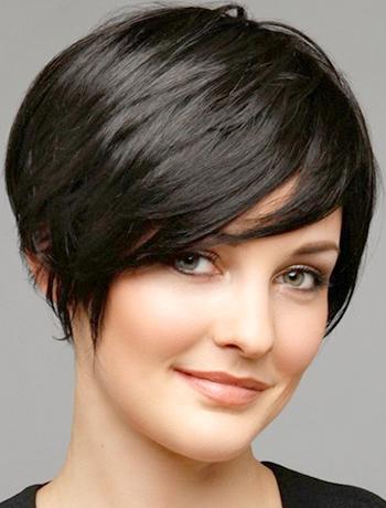 Coupes de cheveux des femmes en lambeaux pour les courts